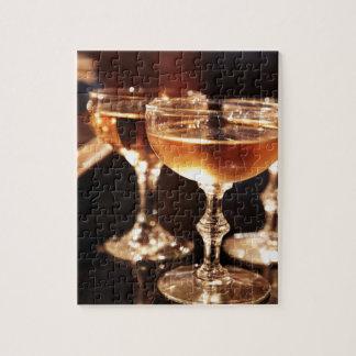 シャンペンのガラス金トースト ジグソーパズル