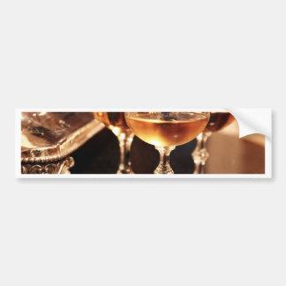 シャンペンのガラス金トースト バンパーステッカー