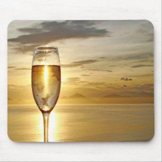 シャンペンのガラス マウスパッド