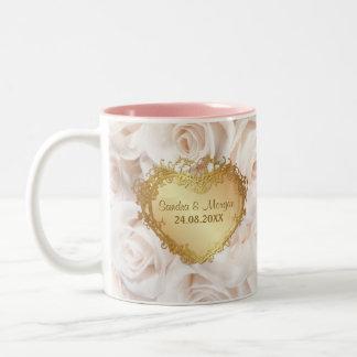 シャンペンのピンクのバラの優雅 ツートーンマグカップ