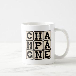 シャンペンの快活な飲料 コーヒーマグカップ