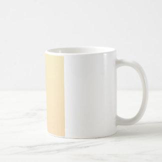シャンペンの深い横の勾配へのバニラ コーヒーマグカップ