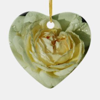 シャンペンの白いバラの花柄の雨滴 セラミックオーナメント