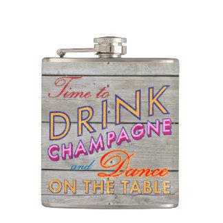 シャンペンの納屋板フラスコを飲む時間 フラスク