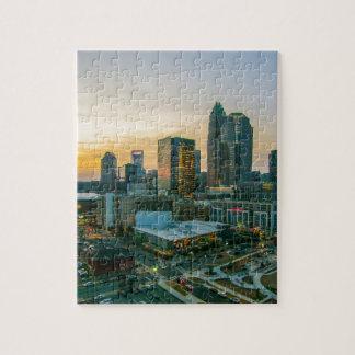 シャーロットノースカロライナの夕べのcommu上の日没 ジグソーパズル
