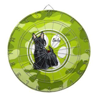 シュナウツァー; 若草色の迷彩柄、カムフラージュ ダーツボード