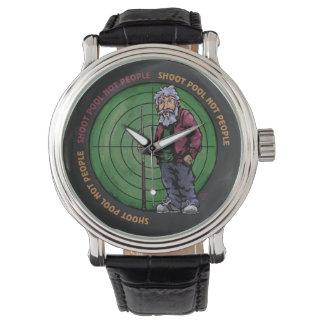 シュートのプールのない人々 腕時計