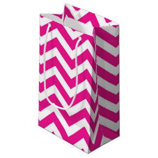 ショッキングピンクおよびシェブロン白いパターン スモールペーパーバッグ