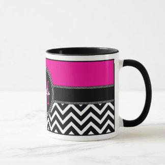 ショッキングピンクのシェブロンのモノグラムのイザベラの上品 マグカップ