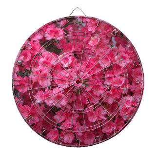ショッキングピンクのツツジの花 ダーツボード