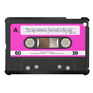 ショッキングピンクの名前入りなレトロのカセットテープ iPad MINI カバー