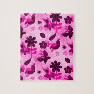 ショッキングピンクの紫色によっては花鳥の蝶が開花します ジグソーパズル