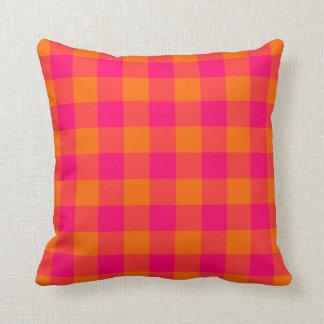 ショッキングピンクの蜜柑のギンガムのアメリカ人のMoJoの枕 クッション