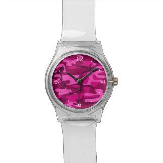 ショッキングピンクの赤紫の迷彩柄のカムフラージュのガーリーなパターン 腕時計