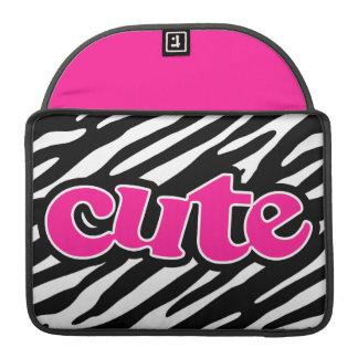 ショッキングピンク; かわいいシマウマは縞で飾ります MacBook PROスリーブ