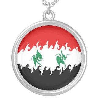 シリアのすごい旗 シルバープレートネックレス