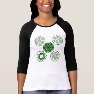 シルエットの緑のファンタジーの花 Tシャツ