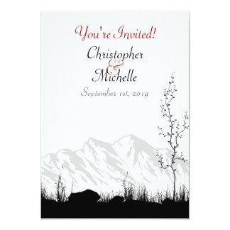 シルエット山の結婚式の招待の白黒の赤 カード