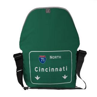 シンシナチオハイオ州のoh州間幹線道路の高速道路: メッセンジャーバッグ