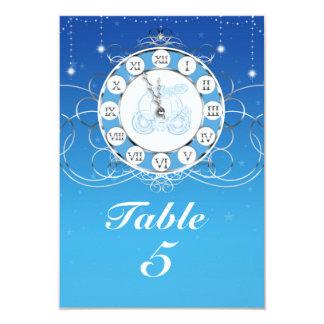 シンデレラのほとんど真夜中の銀製の青いテーブル カード