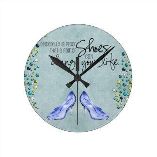 シンデレラは時計に蹄鉄を打ちます ラウンド壁時計