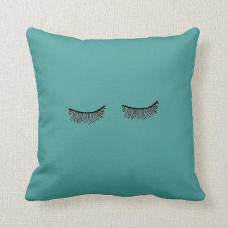シンプルしかしかわいいターコイズのまつげの枕 クッション