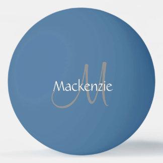 シンプルでシックなモノグラムの名前の原稿のスタイリッシュなイニシャル 卓球ボール
