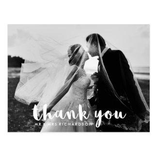 シンプルでモダンなタイポグラフィ|の結婚の写真は感謝していしています はがき