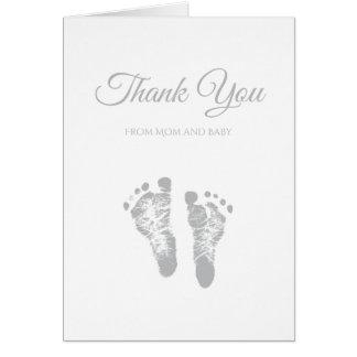 シンプルなベビーシャワーはモダンな灰色の足跡感謝していしています カード