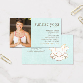 シンプルな白蓮教の花のヨガの先生の写真 名刺