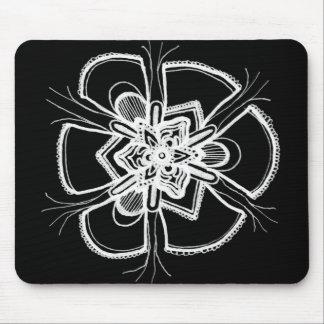 シンプルな白黒レースの曼荼羅のマウスパッド マウスパッド