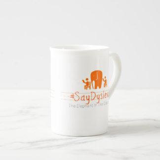 シンプルな#SayDyslexiaのロゴ ボーンチャイナカップ