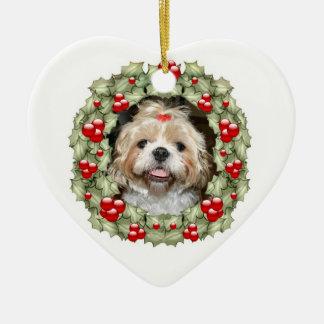 シーズー(犬)のTzuのクリスマスのリース セラミックオーナメント