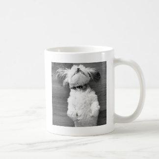 シーズー(犬)のTzuの昼寝 コーヒーマグカップ