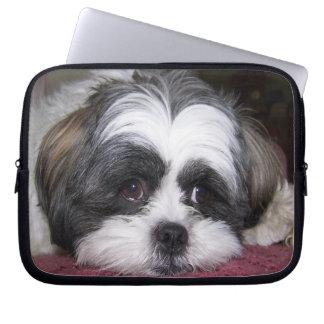 シーズー(犬)のTzu犬 ラップトップスリーブ
