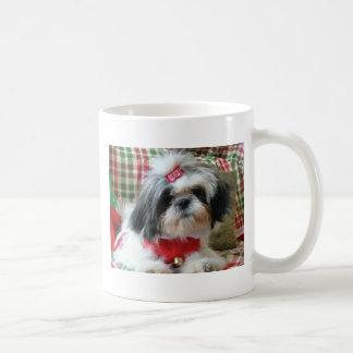 シーズー(犬)tzuのクリスマスのマグ コーヒーマグカップ