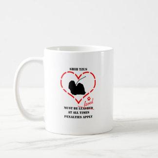 シーズー(犬) Tzusは愛されなければなりません コーヒーマグカップ