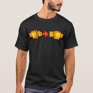シートベルトの印のTシャツを留めて下さい Tシャツ