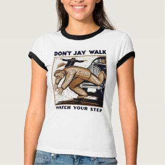 ジェイの歩行は Tシャツ