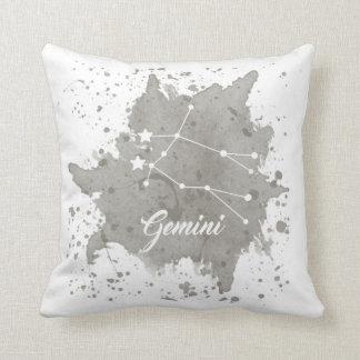 ジェミニ灰色の枕 クッション