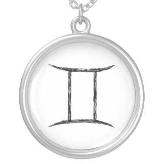 ジェミニ。 (占星術の)十二宮図の占星術の印。 黒 シルバープレートネックレス
