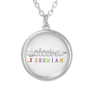 ジェレミアFINGERSPELLEDの一流の印 シルバープレートネックレス