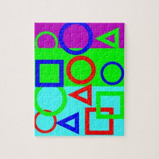 ジグソーパズル-着色された背景および形 ジグソーパズル