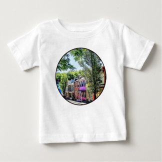 ジムThorpe PA -風変わりで古風な通り ベビーTシャツ