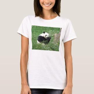 ジャイアントパンダの食べ物のタケ Tシャツ