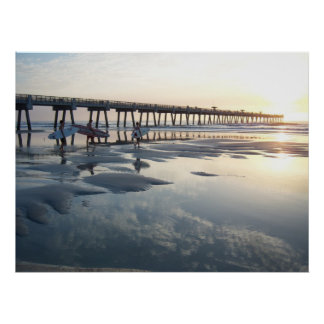 ジャクソンビルのビーチ、フロリダ-サーファーの日の出 ポスター