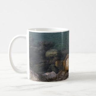 ジャマイカのマグの海の石 コーヒーマグカップ