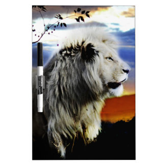 ジャングルの南アフリカ共和国のライオン ホワイトボード