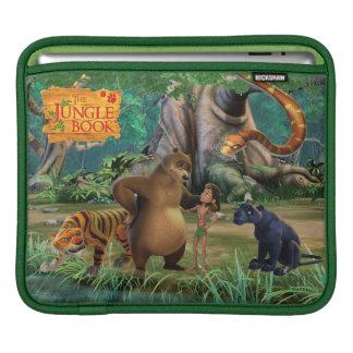 ジャングルの本のグループは2つを撃ちました iPadスリーブ