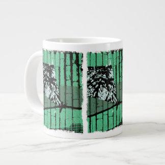 ジャンボ凧および緑のタケマグ ジャンボコーヒーマグカップ